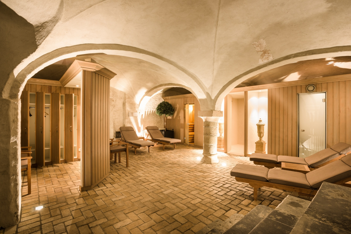 Hotel with wellness: bathing in luxury